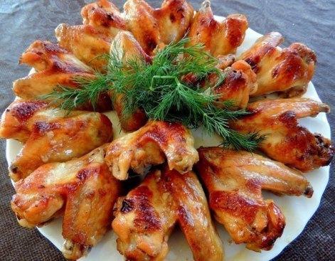 Крылья курицы Медовые запеченные после маринада в духовке.
