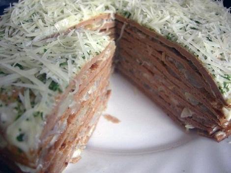 Торт из печенки курицы с морковью, луком, зелень. Печеночный торт.