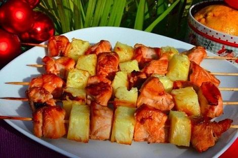 Готовим куриный шашлык с ананасом после маринада. В духовке.