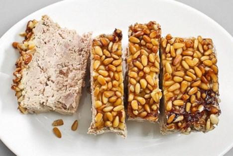 Мясной хлеб из утки, сливок, орехов. Закуска французская Terrine.