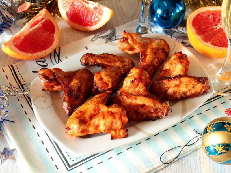 Куриные крылышки запеченные духовке. Маринад из грейпфрута.