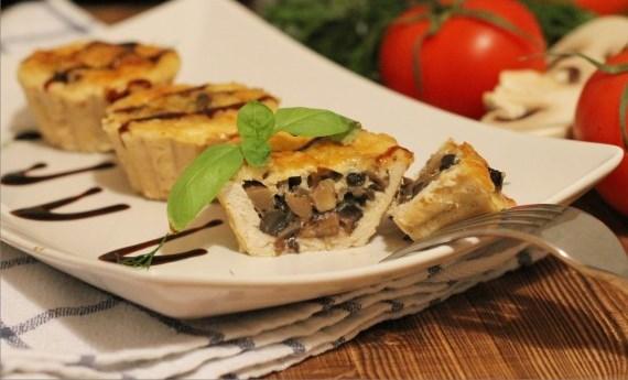 Куриные корзиночки грибы. Запекаем в духовке под соусом и сыром.