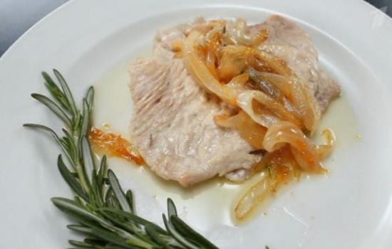Филе индейки в пароварке рецепт. Мясо, специи и чеснок.