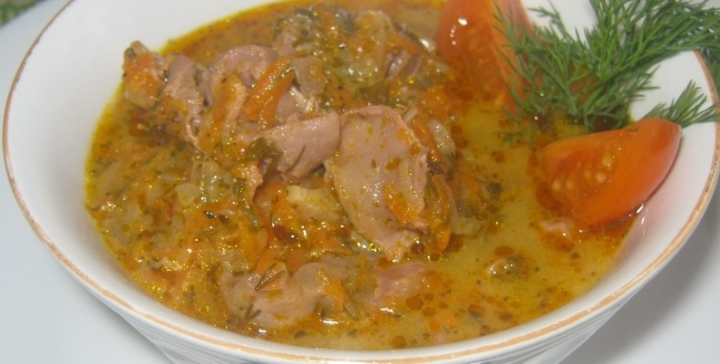 Куриные желудки в соусе рецепт. Отвариваем, тушим с овощами.